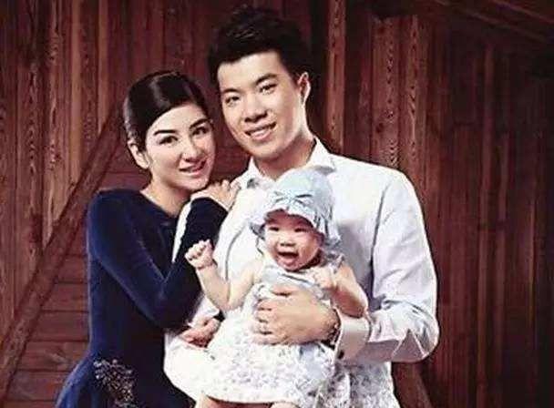 黄毅清被捕后黄奕首次露面,赴西藏做公益晒输氧照,被吐槽是摆拍