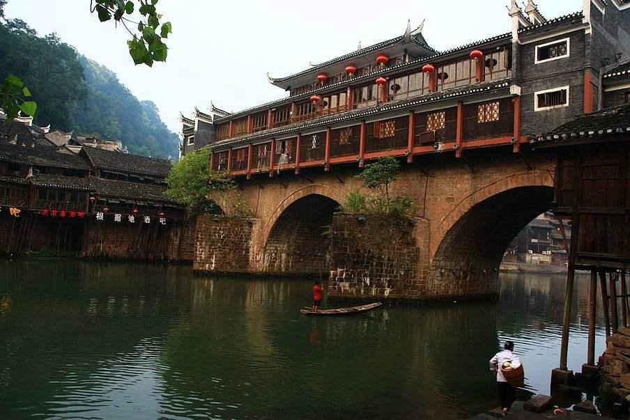 原创             中国最坑人的古城,乱收费现象严重上厕所都要2元,如今人走茶凉
