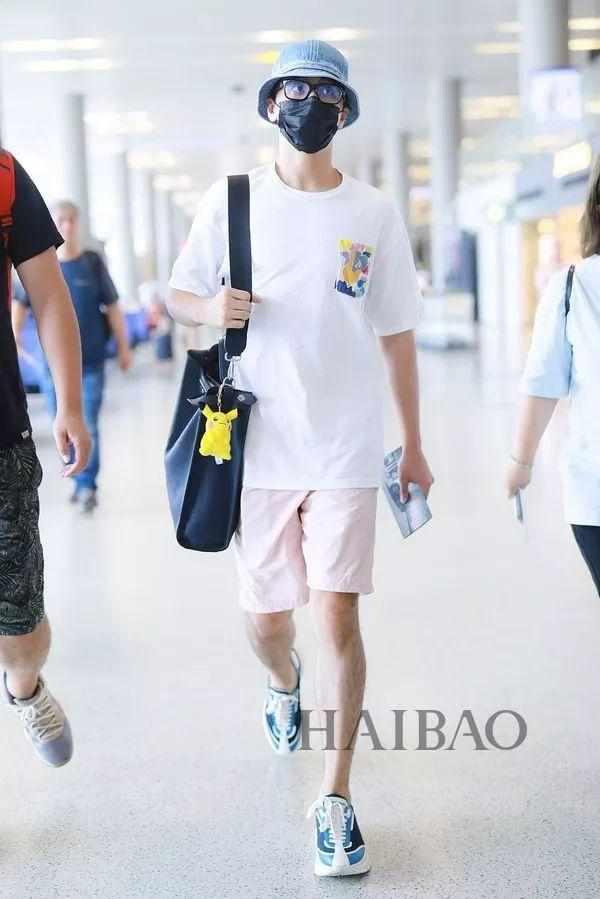 2019年8月24日,上海,许魏洲现身机场.图片