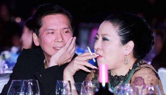 陈岚约会向华强昔日绯闻女友,比对方大4岁却不输,两人气场太强