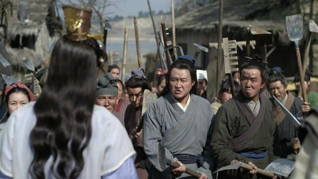 中国历史上第一个自称皇帝的女人,不是武则天,出身草根下场凄惨