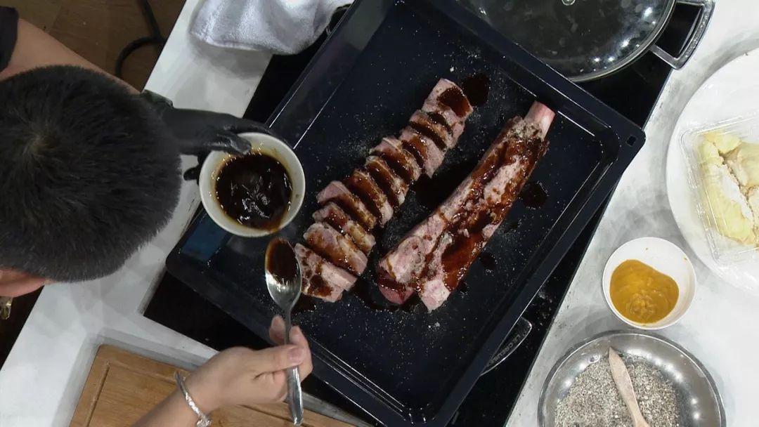 搭配上冰冰凉凉的味觉肉以及美味独特的海胆这样的榴莲三重奏steam教程图片