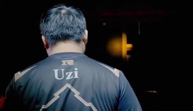 RNG进入世界赛,而IG仍在冒泡赛挣扎,网友讽王思聪:舒服了吗?