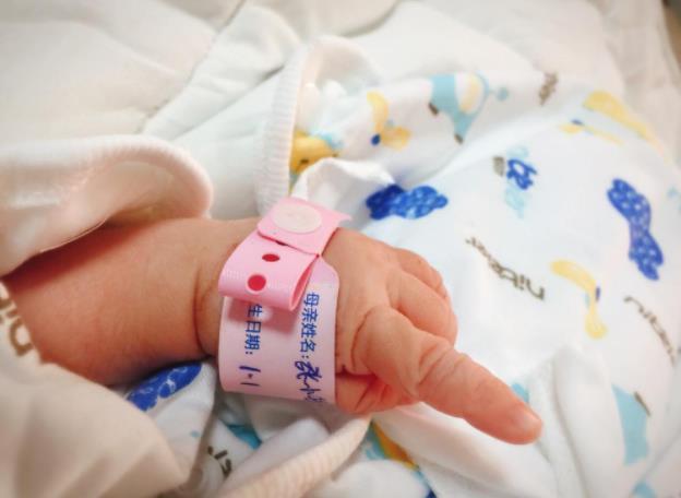 原创             为什么新生儿的体重不一,但身长却多数是50厘米?看完你就知道了