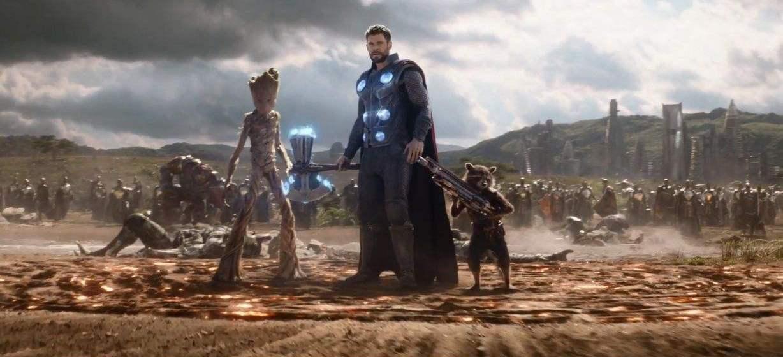 复仇者联盟3中,雷神是怎么穿破瓦坎达屏障到达地面战场的?