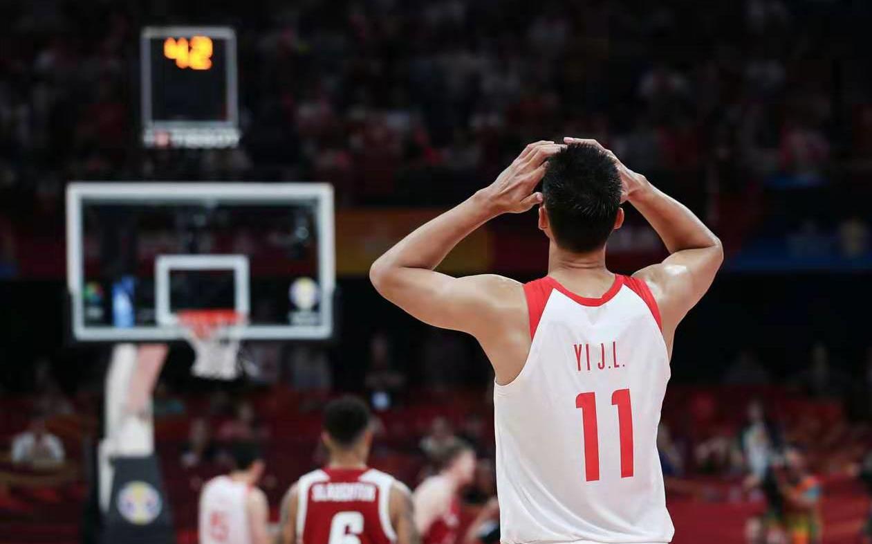 原创            波兰主教练赛后采访暗讽中国男篮战术,李楠真的该好好反思了
