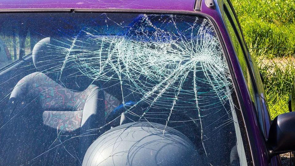 汽车钢化玻璃 - 汽车维修技术网