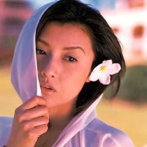 """原创            她是日本第一美人,曾让郭富城""""不顾一切"""",今48岁身材不输方媛"""