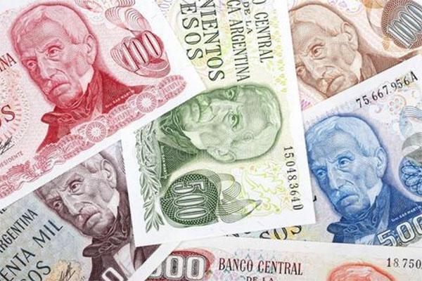"""阿根廷比索8月""""暴跌""""25%,为何?无力偿还债务?怎么脱困?"""