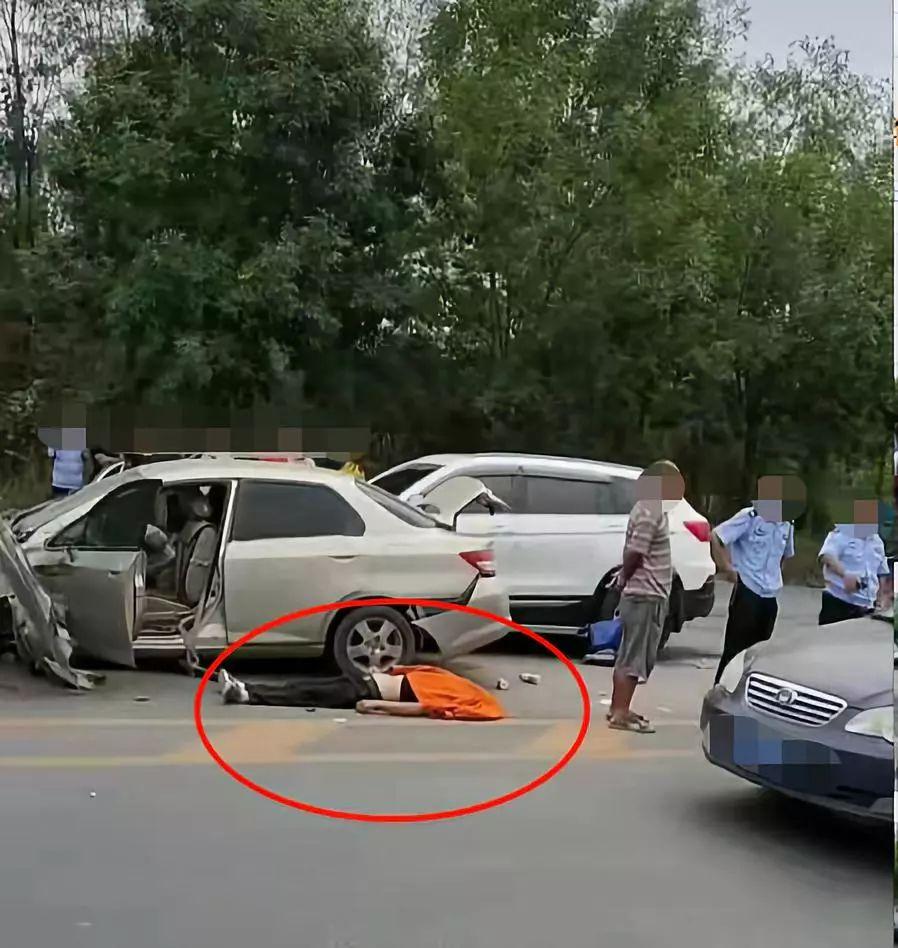 濮阳发生一起惨烈车祸,一人当场身亡!图片