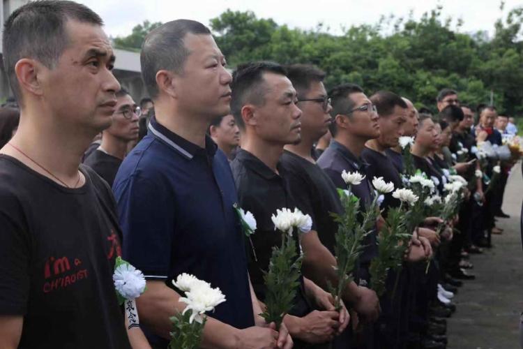 两蓝天队员野外救人牺牲,救援队:深圳民间救援史牺牲最大的一次
