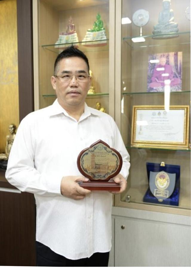 不分民族推动慈善活动 张秋源荣获瑞典世界和平奖