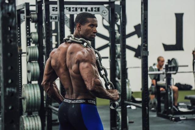 为什么明明练得很努力,肌肉就是不涨!你是不是忽略了这3个要素