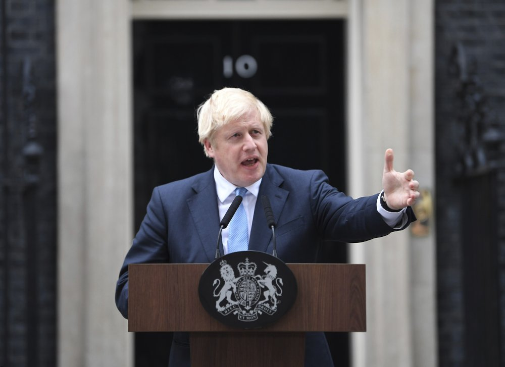 約翰遜失去議會多數席位 同黨議員當面反水加入親歐陣營