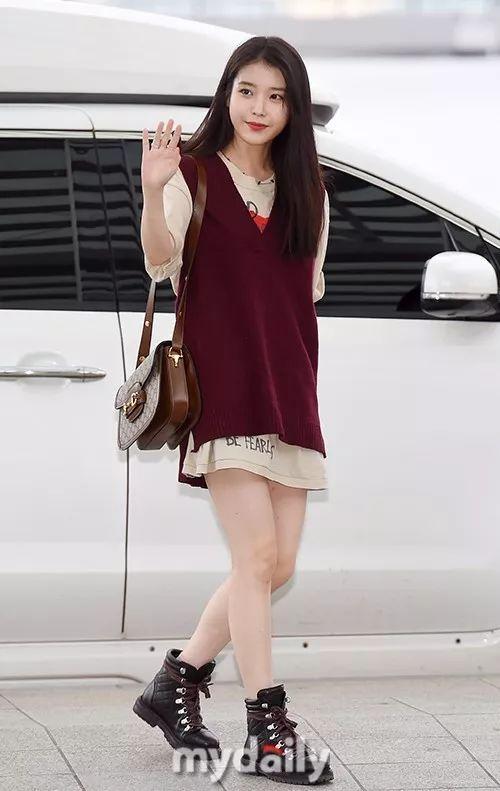 今天是邻家少女李知恩!IU获度假奖励 现身仁川机场飞往曼谷