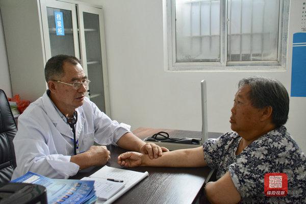三台139个贫困村卫生室建好了