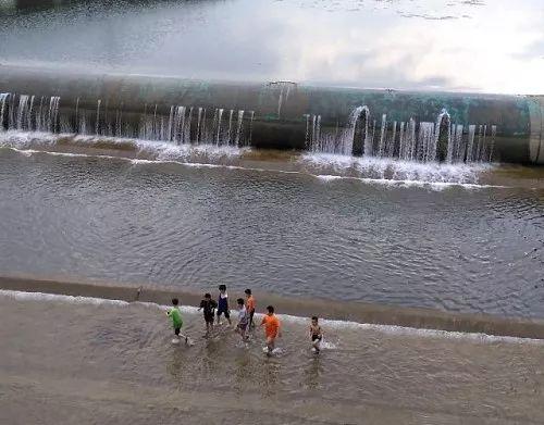 亚博体育怎么提款谁家的熊孩子在河道这样