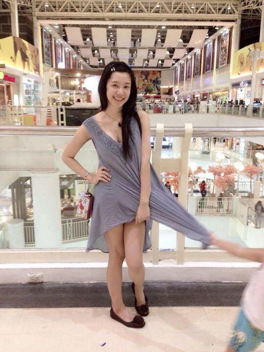 爆笑GIF:妹子,这一幕我见过,小时候姐姐经常用脚夹我