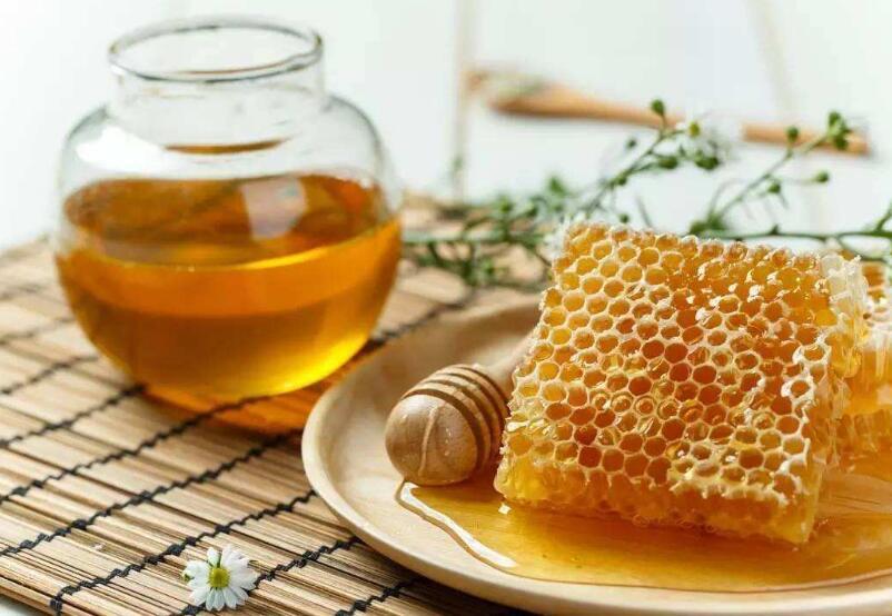 吃蜂蜜会给白癜风病情带来怎样的影响