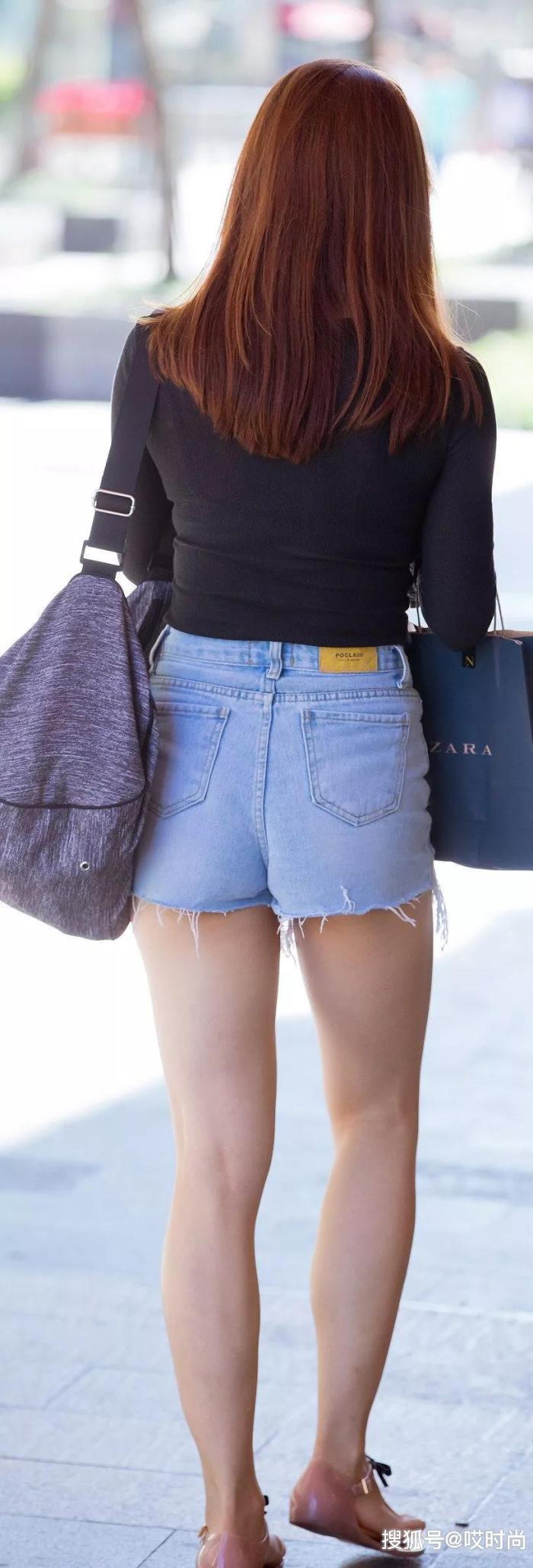 """原创            短裤还是牛仔裤好看,美女穿上后又""""白""""又高!"""
