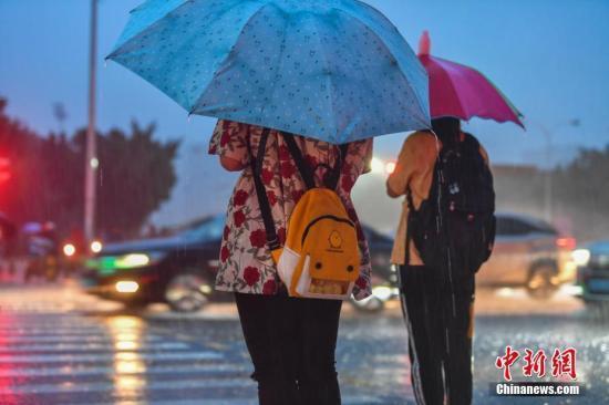 """台风黄色预警:""""玲玲""""将于7日夜间到8日登陆"""