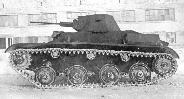 麦子比坦克还高?这款坦克仅装备20mm机炮,还用了不少汽车零件