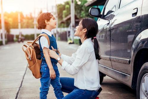九年义务教育是免费的,为什么孩子开学,家长钱包却空了吗?!