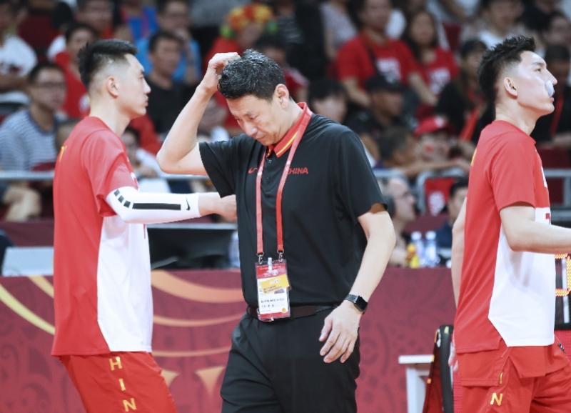 中国男篮输在哪?外媒记者赛后直言:你们教练不行
