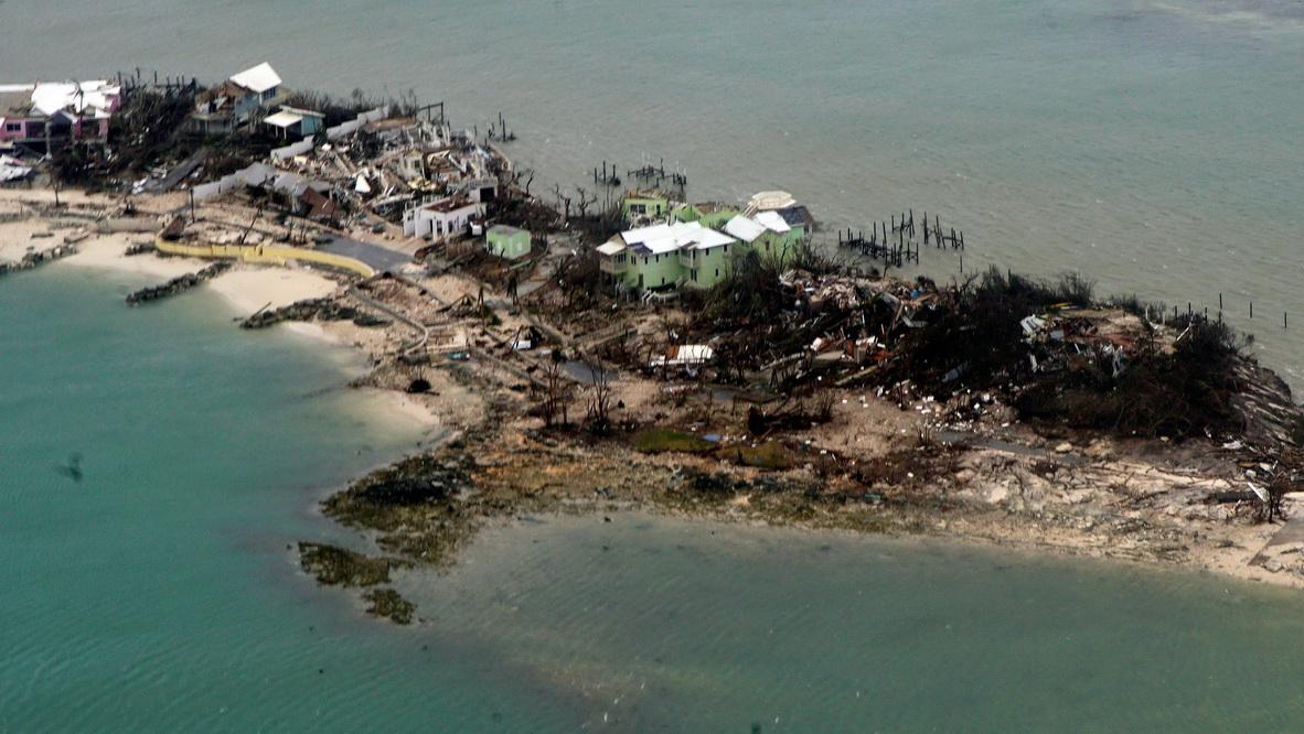 """航拍飓风""""多里安""""残虐后的巴哈马群岛"""