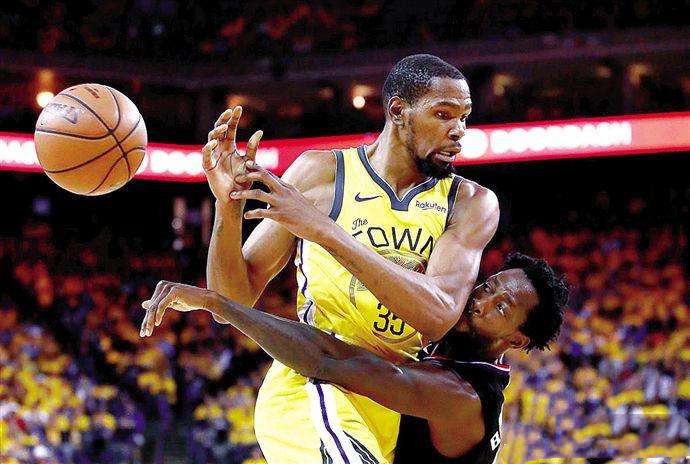 """原创            打球像""""平头哥""""的NBA球员!贝弗利永不知疲倦,利拉德不服就干"""