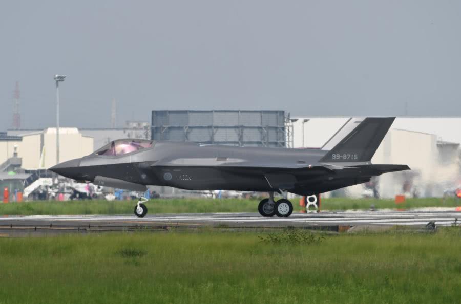 日本第15架F35首飞,中国放一张歼20照片,令对方哑口无言