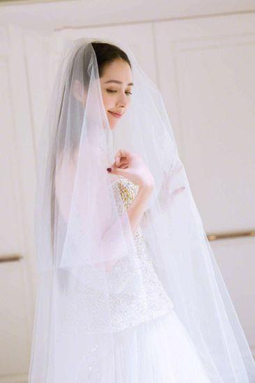 郭碧婷婚纱照暴光,三套婚纱仙气实足,两人还预备在节目中娶亲?