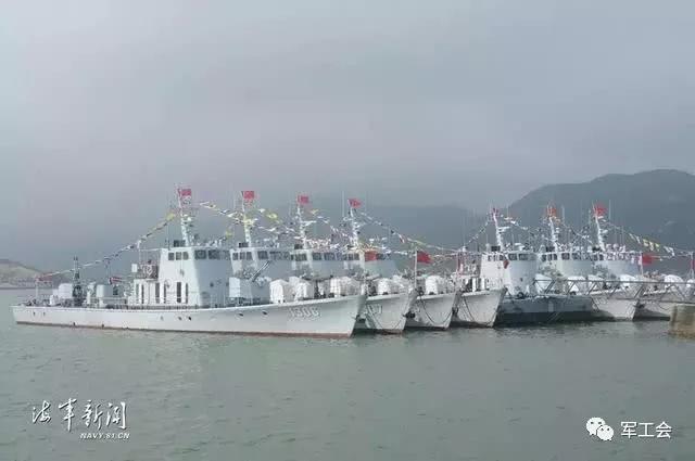 保卫海疆60载!我军8艘战舰集体退役,精心保养犹如新船