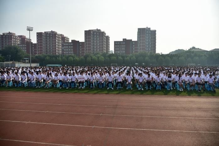 北京邮电大学举行2019级研究生开学典礼