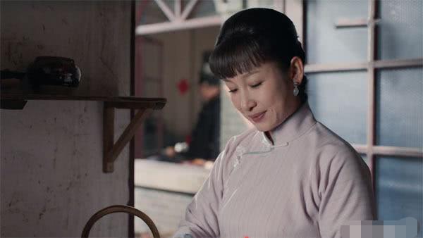 《老酒馆》谷三妹身份不简单,她不仅仅是唱京戏的