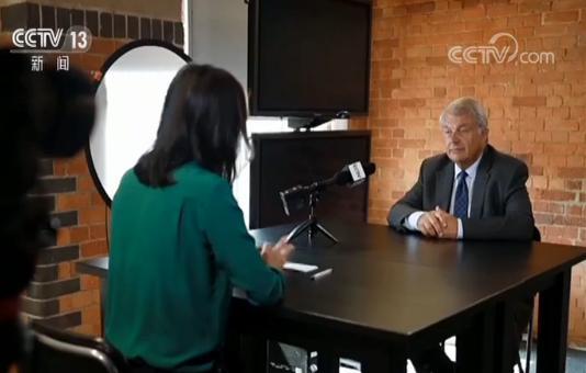 英国伦敦金融城前政策与资源委员会主席:香港问题只能由中国人民自己解决