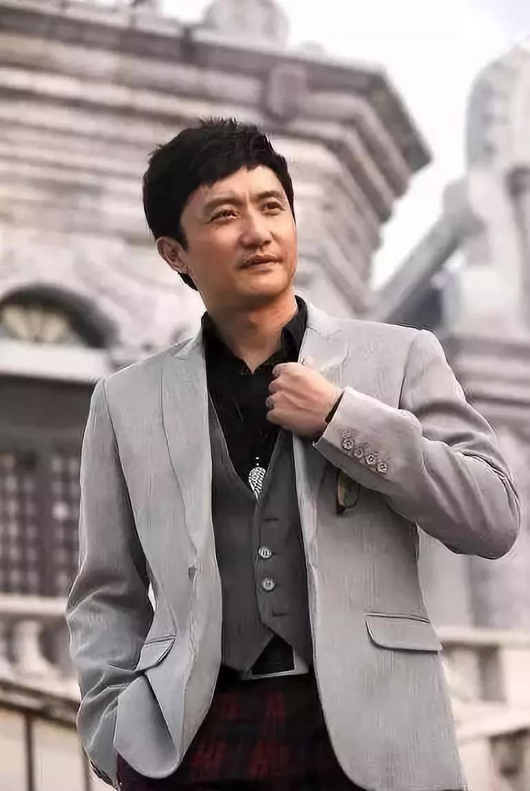 """""""渣男专业户""""与陶虹是同学,出道13年不温不火"""