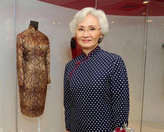74岁TVB老戏骨最红时未婚先孕选择息影 与丈夫娶亲50年恩爱如初