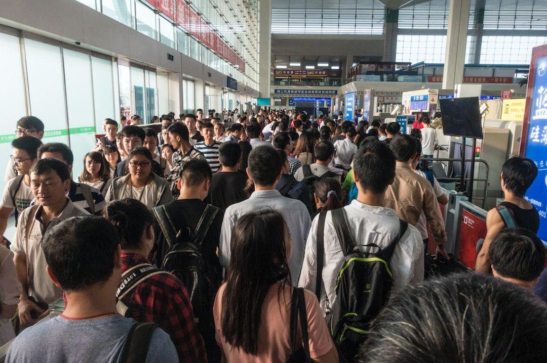 北京高峰时段是几点_丰都人注意!国庆假期火车票今日发售,这几条线路车票紧俏_售票