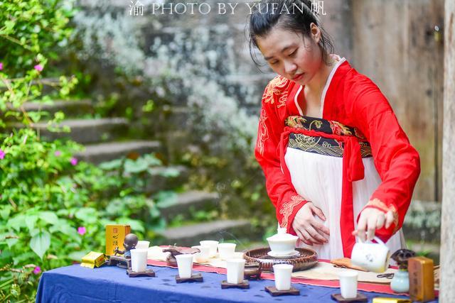 原创             漫游武夷山的正确打开方式,尝大红袍煮茶叶蛋,饮6万1斤的心头肉