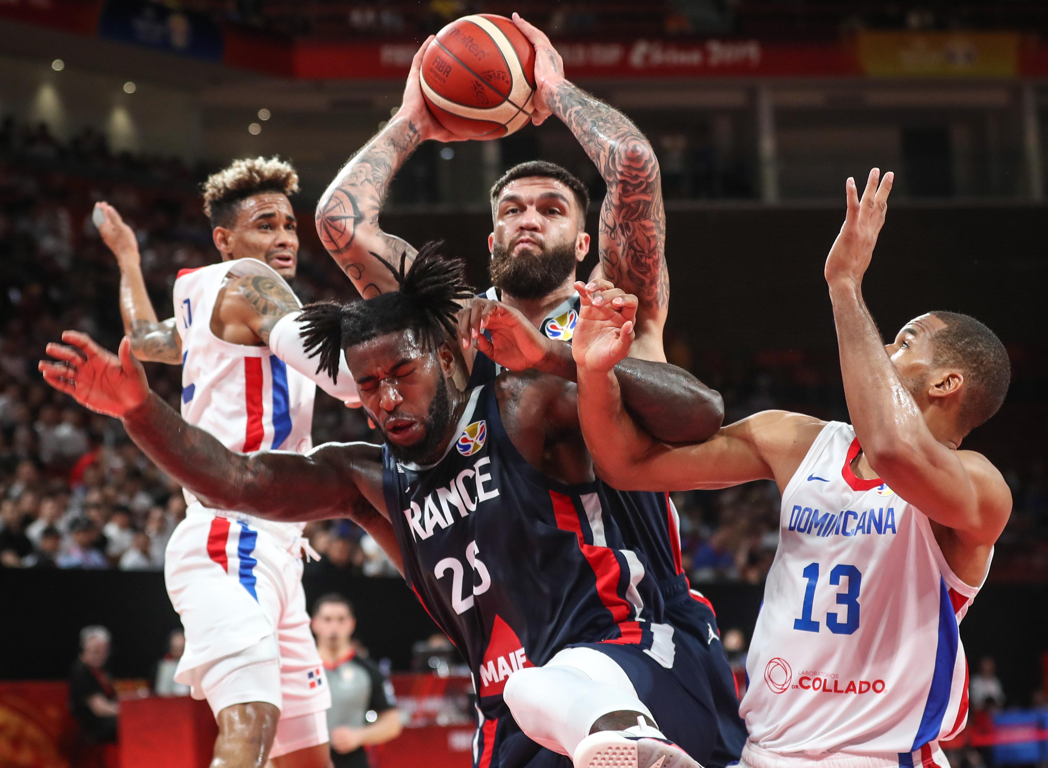 篮球——小组赛:法国队胜多米尼加队