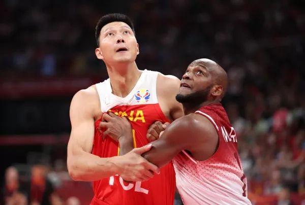 """""""中国队篮板球""""上热搜,""""李楠下课""""成口号"""
