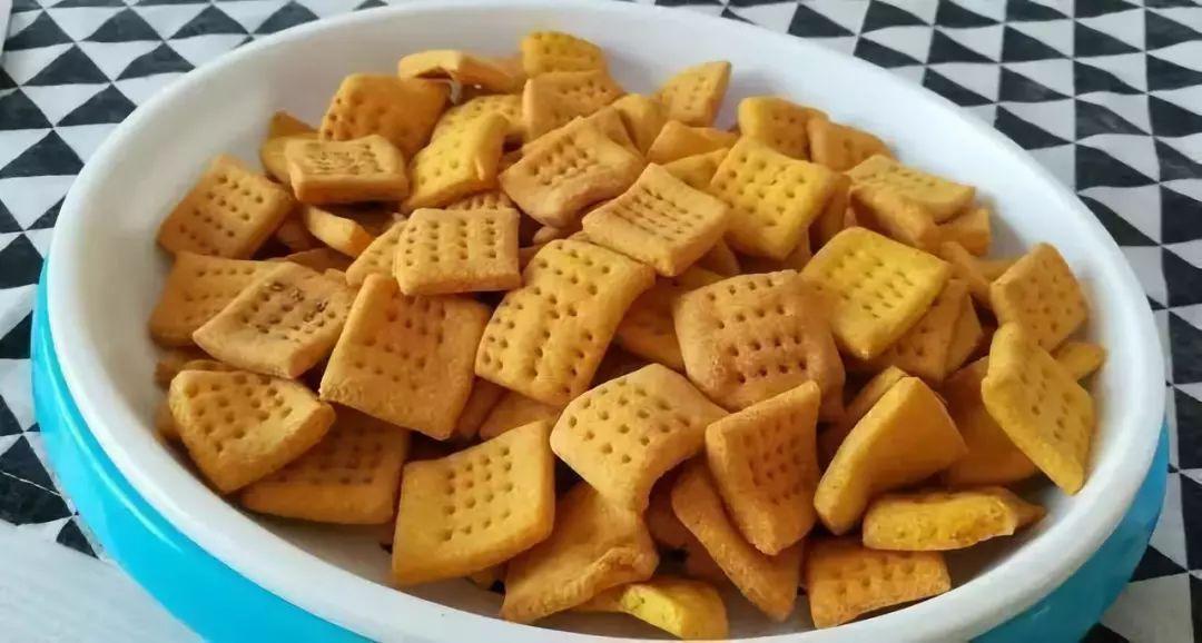 玉米面小锅巴的做法,香甜酥脆,没有任何添加剂