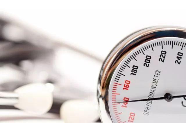 如何规律进行家庭血压监测