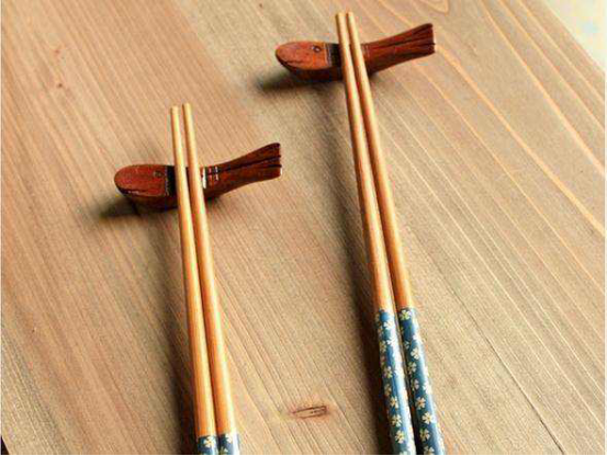考验你会不会用筷子的时候来了,全都夹起来算你厉害