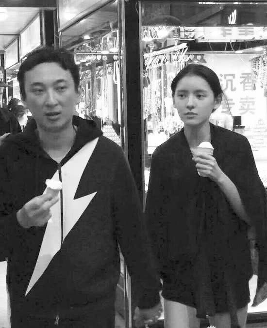 张予曦与王思聪陈柏融分手后又有新恋情?被曝与神秘男子同回酒店