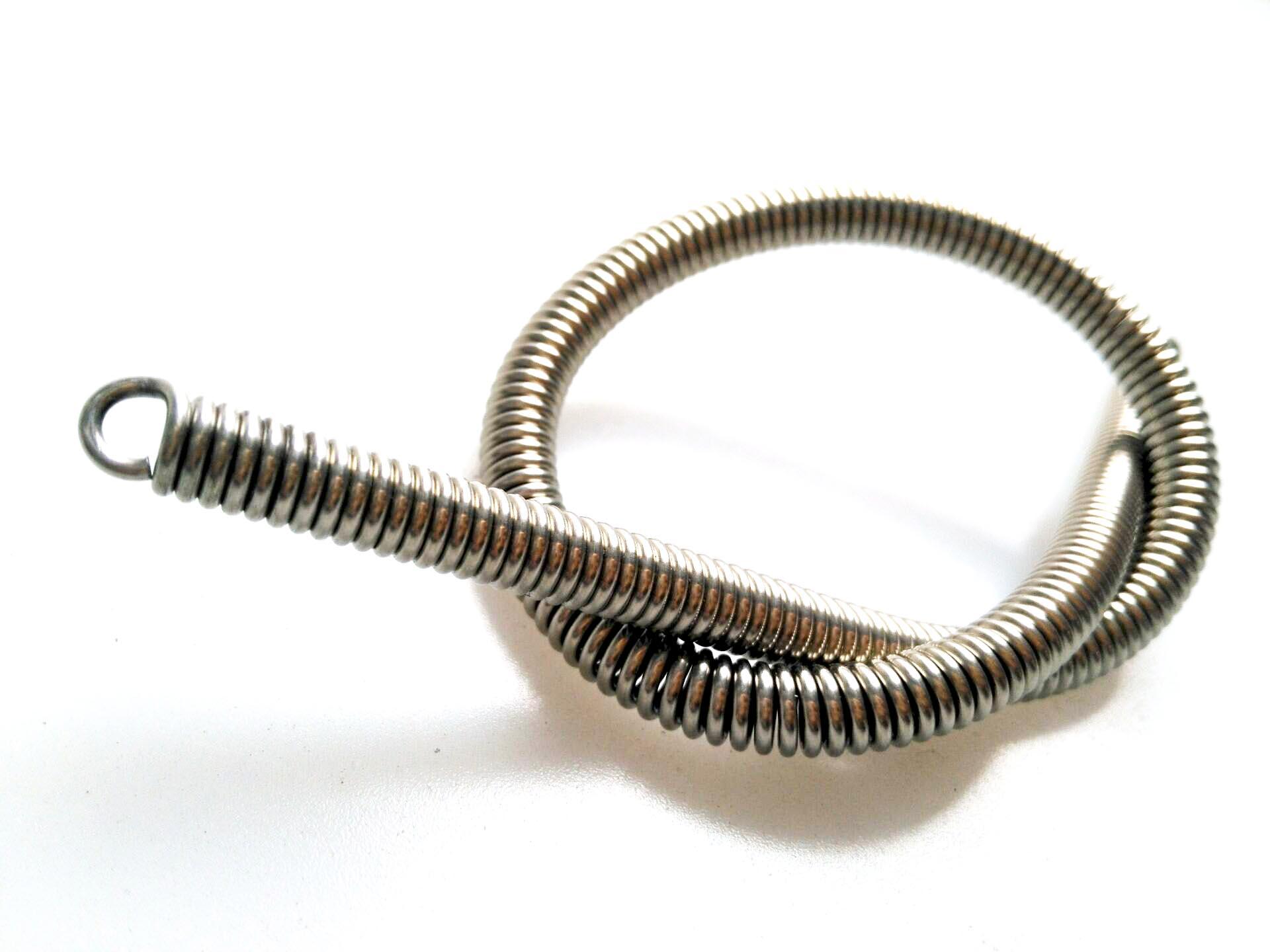 弹簧怎样清洁才不容易受到损伤?