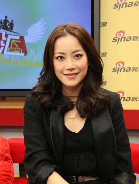 她是谢霆锋背后的女人,24岁帮谢霆锋挣50亿,王菲都敬她三分