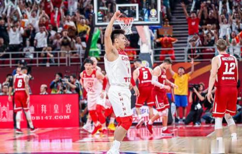 中国男篮战败波兰 合作商迪拜皇宫表态续约声援