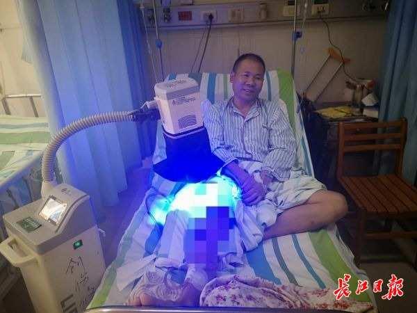6楼摔下的空调装卸工再次面临手术,他说:我只是凭良心做了该做的事